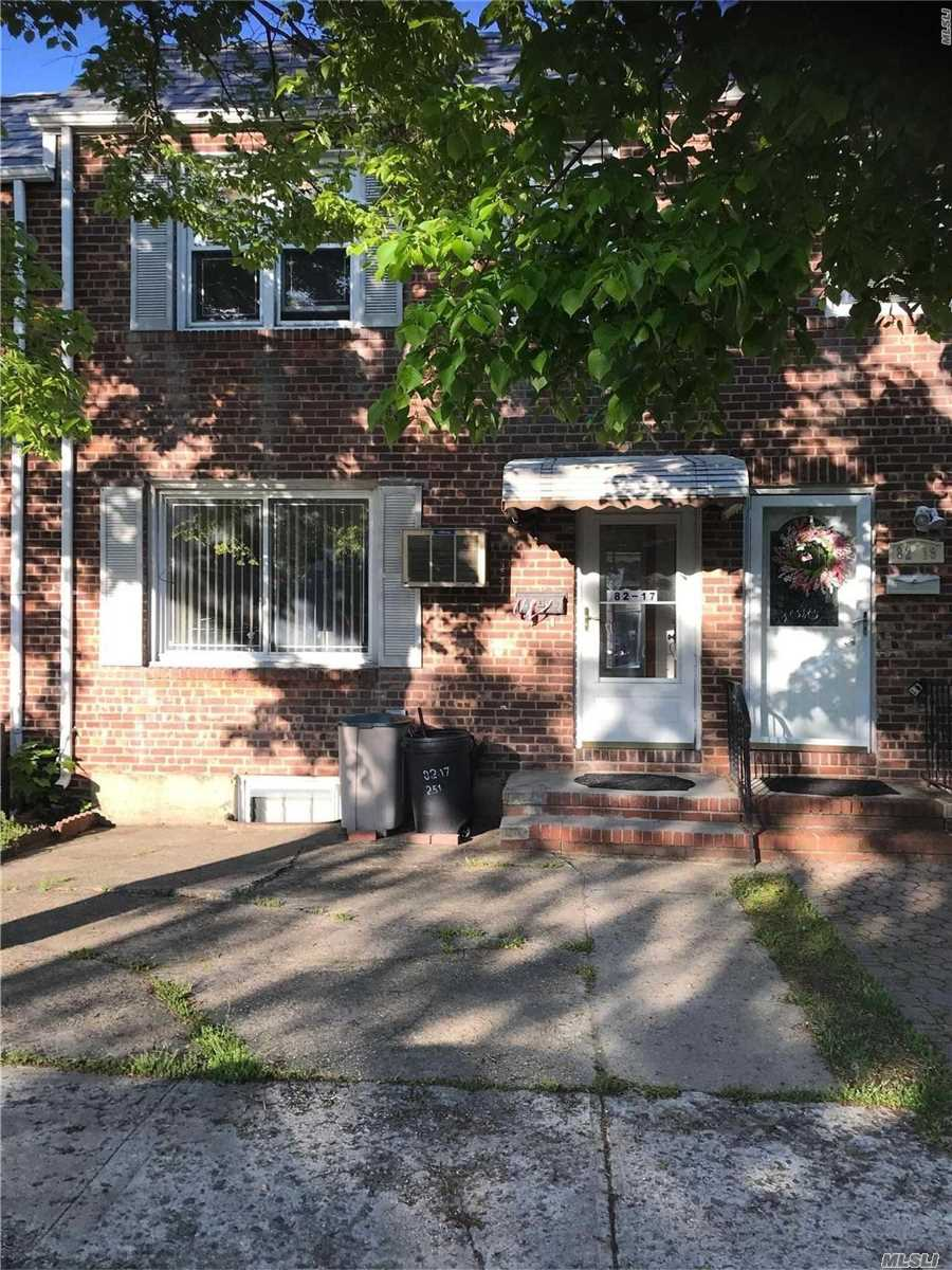 3 Bedrooms, 2.5 Bath, Living Room, Formal Dinning Room, Kitchen, Full Finished Basement, Laundry Room, Play Room, Storage