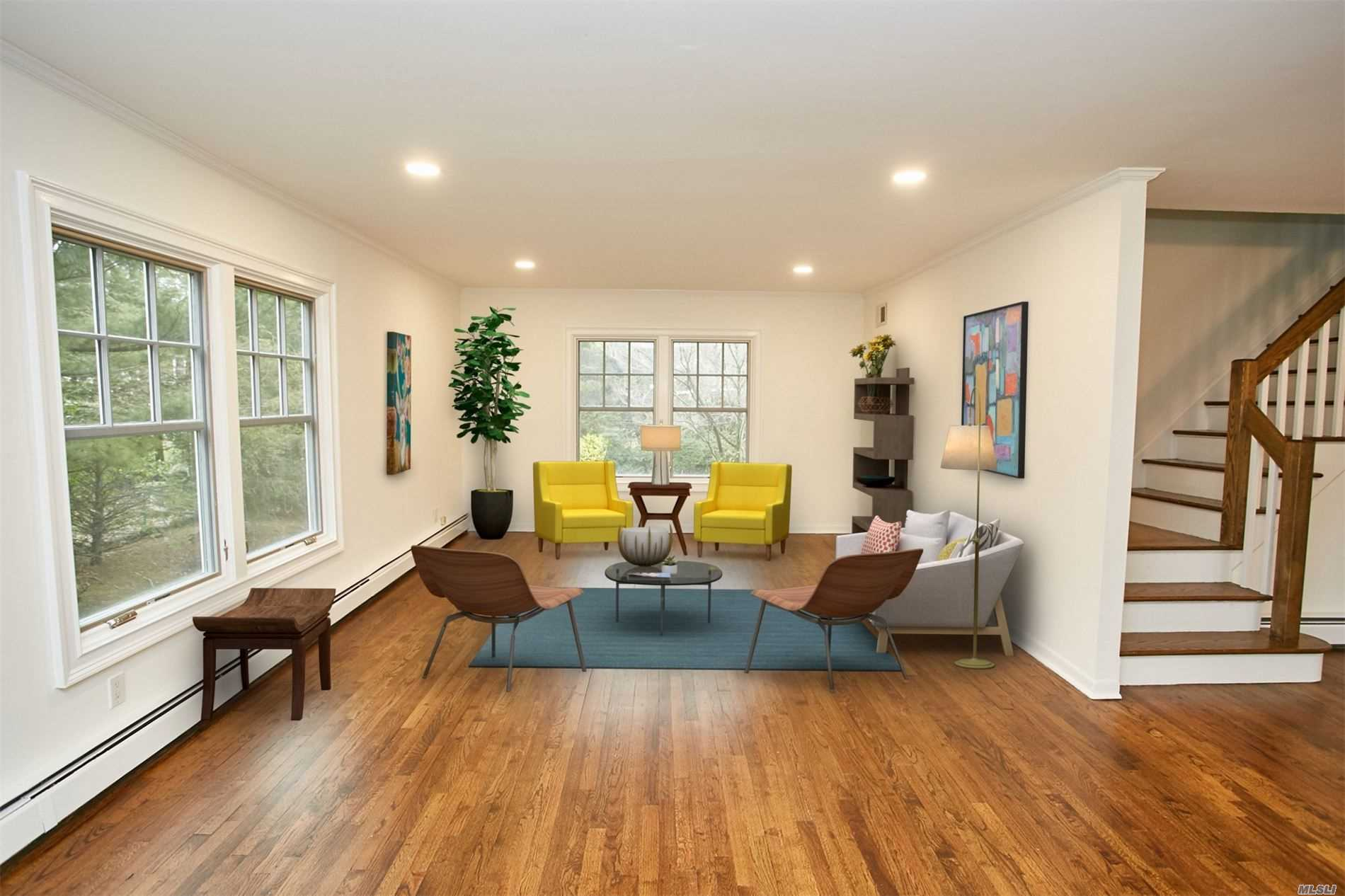 Mint Plandome Manor colonial with spectacular waterviews of Manhasset Bay. Private park and beach access. 5BR's, 2.5 bths situated on shy half acre flat yard. Walk to LIRR, town and shopping