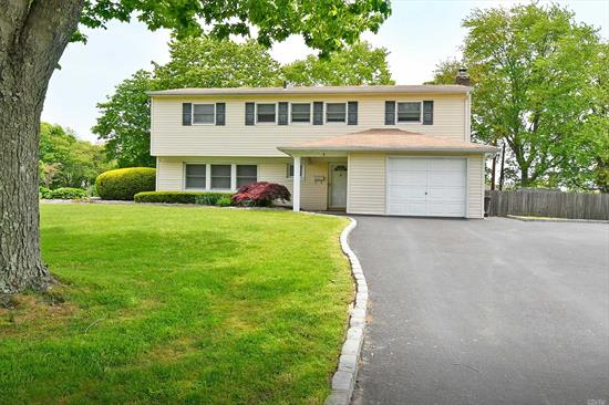 Maintained 3 bedroom home on large corner lot. Updated roof, windows and siding. Hardwood floors and gas line to house.Indian Hollow Primary, Burr Intermediate, CMS, CHS.