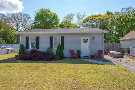 Huntington absolutely adorable ranch, completely updated 3 years ago. Beautiful hardwoods adorn foyer, kitchen and dining rm area. Office can be converted into 3rd BR by adding a closet. Basement needs heat, flooring and paint to finish. Grand room in the back is spacious! House is deceiving from the front outside view. Mid-block location, beautiful street, convenient to all! ELWOOD SCHOOL DISTRICT. Come in and see how cute and new this home is. You will not want to miss this one!!