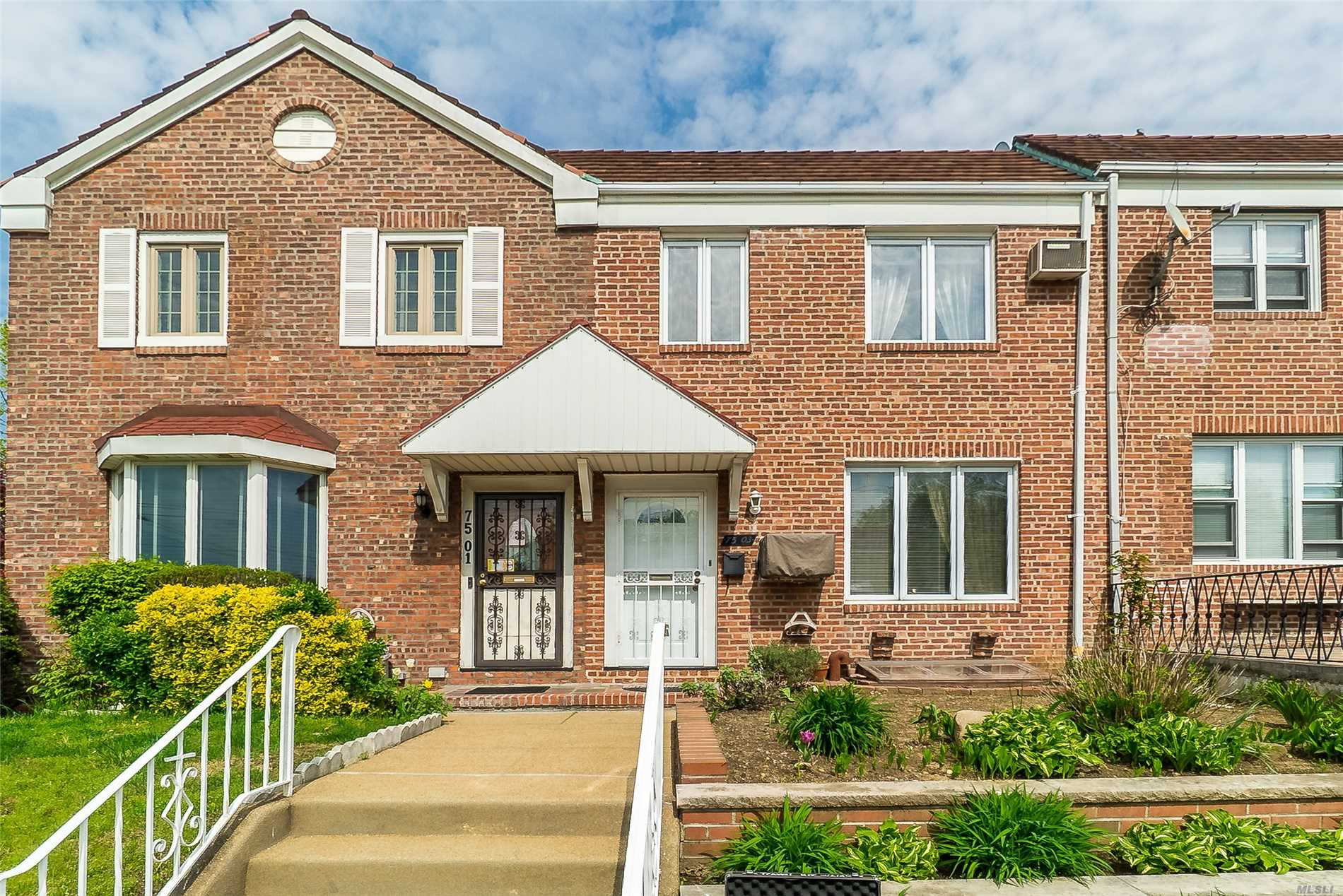 Move right into this immaculate home - just fill the 'fridge and relax! Located in the heart of Fresh Meadows, close to mass transit, St. John's University, major highways, schools and houses of worship.