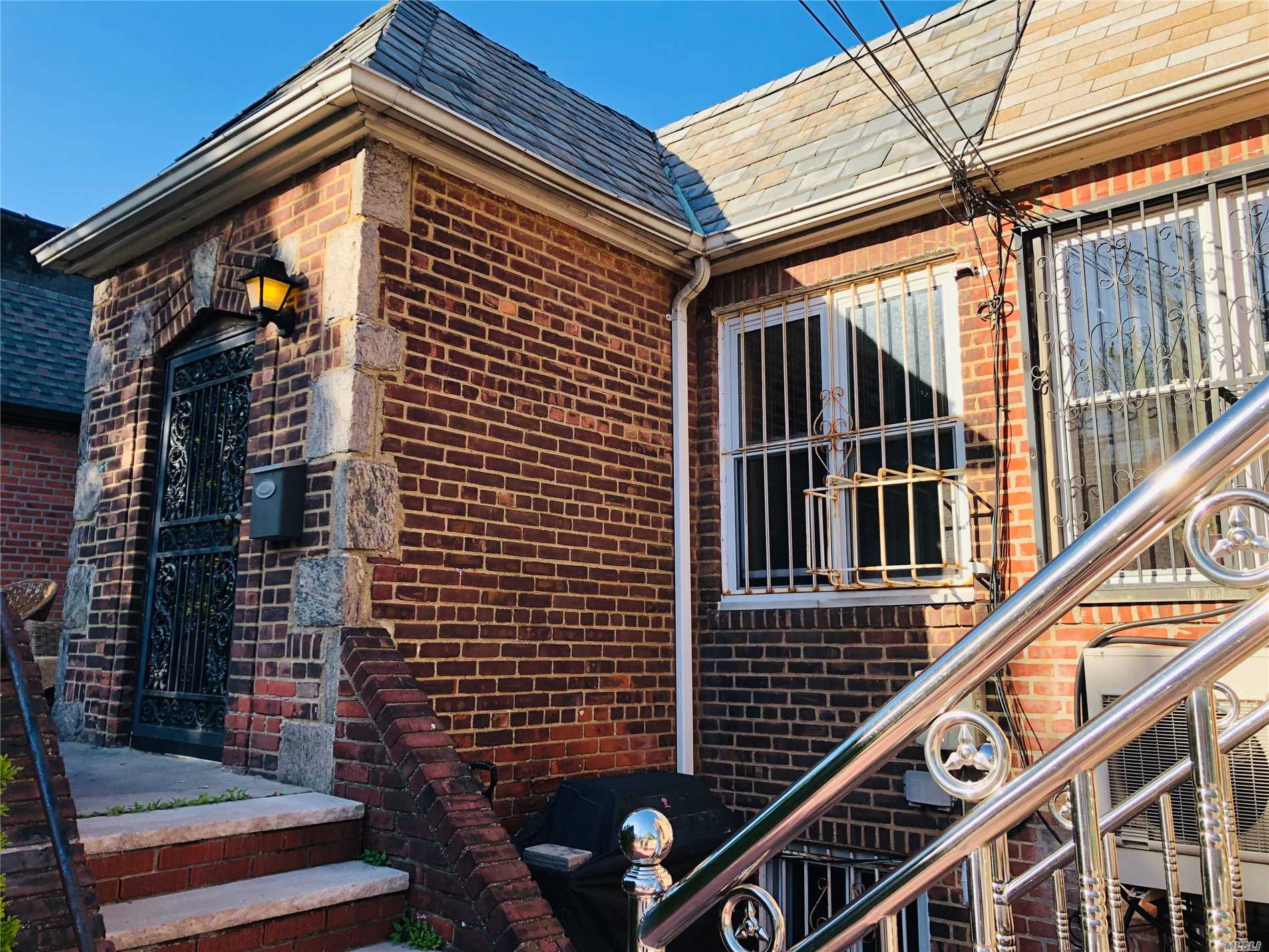 OVER-SIZE-BRICK TOWNHOUSE 22 X 136 =2992 LOT & 22 X 45.5 BUILDING, 2 LARGE BEDROOMS, 2 FULL-BATH, LARGE LIVING Rm, KITCHEN/DINING Rm. THE BASEMENT HAS LOTS OF POTENTIAL, SITUATE BY THE VICINITY OF REGO PARK CRESCENT, EXCELLENT SCHOOL DISTRICT, PS 174, WALKING DISTANCE TO SUBWAY 63 DRIVE STATION R&M TRAIN, RESTAURANTs, SUPER MARKETs COSTCO, STARBUCKS ETC.