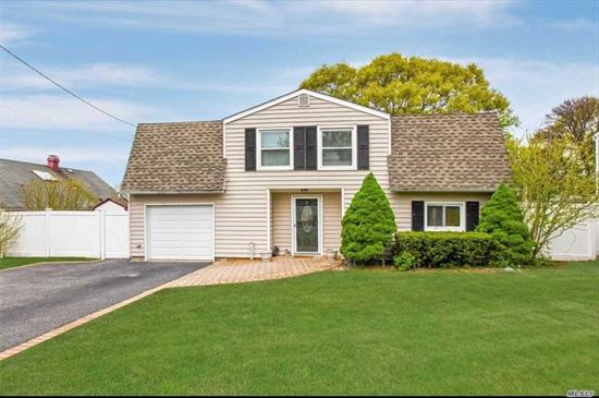 **IMPROVED PRICE Great 5 bedroom 2.5 bath dutch colonial located on a quiet dead end block. Lovely Master bedroom w/large walk in closet and master bath. Fully fenced yard for outdoor entertaining. Brand new kitchen floor and young appliances. **Seller wants to hear all offers