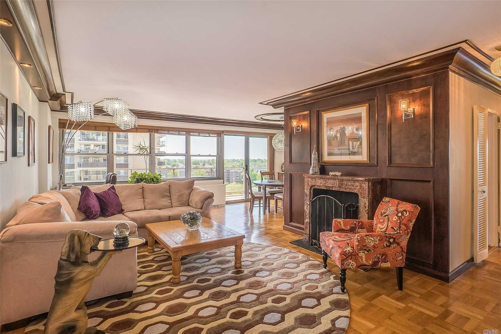 New to Market. BREATHTAKING VIEWS...2 Bed Deluxe with 2 balconies with 2 AMAZING VIEWS!The long Island Sound and the NYC skyline! EVERYTHING NEW AND IT IS PRICED TO SELL! view this beautiful deluxe unit on a high floor! 24 hour security, doorman , concierge, pool club, gym, tennis, salon, deli, dry cleaners, garage parking and all of this and you can walk to the Bayterrace shopping, buses local and express to NYC and 22 min on the LIRR!