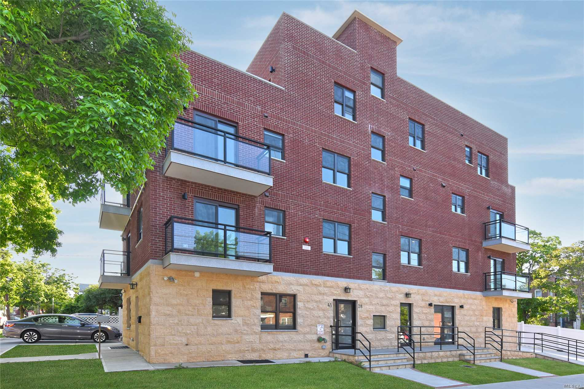 Brand New Condo. 15 years tax abatement. Very bright, face to East & South, with Balcony. Washer and Dryer in the unit. Close to transit hub, Walk to LIRR , Buses to Flushing Main street, shops and restaurants. Convenient and quiet neighborhood.Parking Space is available for sale.
