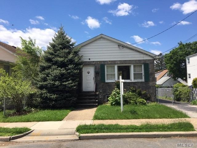 Ranch Style Home. This Home Features 2 Bedrooms, 1 Full Bath, Dining Area & 1 Car Garage. Centrally Located To All. Don't Miss This Opportunity!