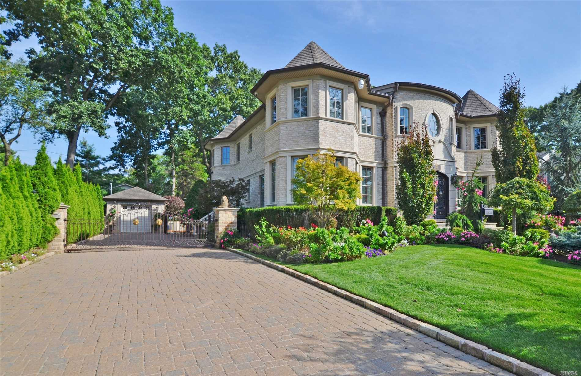 Spectacular 5BR Custom Home Sold Furnished/Turn-Key. Every Imaginable Amenity, Truly a Must See! (2020-2021 Hypothetical Taxes without Transitional Cap (Per County Reassessment): $47, 532.13)