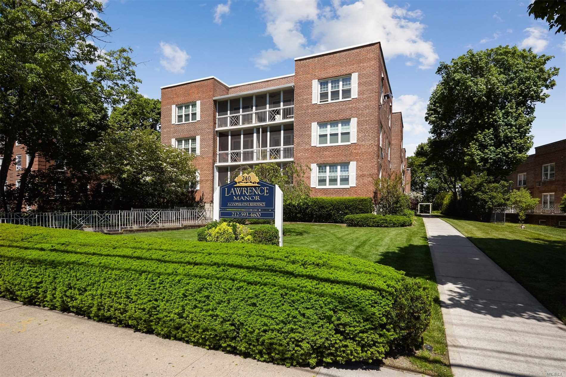 New To Market! Lovely Co-Op, Heart Of Lawrence. Spacious Living Room, Dining Room, Efficiency Kitchen. Large Bedroom With Many Closets! Custom Entry Hall And Alcove. Close To Shopping, Houses Of Worship, LIRR.