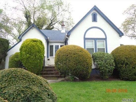 Charming single family residence with updated baths, hardwood floors. Located near parks, water access, and water views