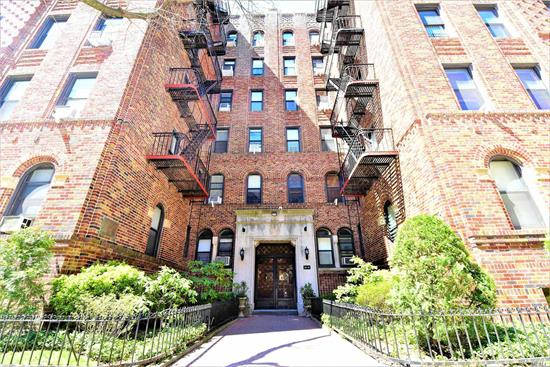 ***Application Fee Waived by Landlord*** Spacious Studio with Separate Kitchen , Verizon Fios Ready and New A/C Common Laundry Room in Building In Pre-War Building. Heart Of Forest Hills Walk To Austin Street 1/2 Block To All Shopping, Trendy Restaurant's And Grocery Market. 1/2 Block To 75th Subway Station Express F Station. 3 Block Walk To Park And 5 Blocks To Long Island Rail Road. Must See Perfect Location! ***Application Fee Waived by Landlord***