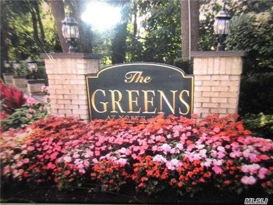 A fabulous and sunny Doral model condo in The Greens. Vaulted ceilings in LR & DR, EIK, Built-Ins, Finished Lower Level w/ high ceilings. Prof landscaped backyard and bluestone patio. Pool and tennis in community. Snow removal and gardening included