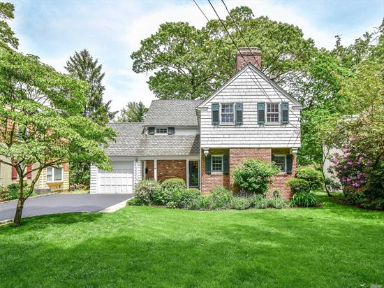 Perfect Manhasset Bay Estates Colonial close to town, train, and the Pine St. Park.The house is mint move-in ready & has today's look. Entry, living room with fireplace, renovated kitchen with stainless steel high end appliances, open to dining room and family room, with easy access to yard, with bluestone patio, half bath completes 1st floor. Second floor has master w/new bath & 2 additional bedrooms and new bath. Basement offers great storage. HW flrs. Att. garage, CAC, beach & mooring rts.