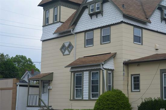 Heart of Town!! Walk to all!! Second Floor apartment offers private parking, Large Living Room, Eat in Kitchen, Spacious Bedroom and Full Bath. Walk to restuarants, shops and railroad. All applications are Subject to landlords approval. No Co-signers Permitted, whoever signs the lease must reside in the home as per the Landlord.