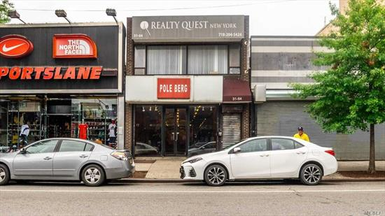 Retail space available on the ground floor of a two storey building. near major expressways and public transportation. Both spaces ground and first floor can be combined. Lease term is minimum 5 years.