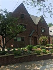 New Construction Duplex Apartment In Private House, Two Blocks To LIRR To NYC, Bus In Northern Blvd To Flushing.