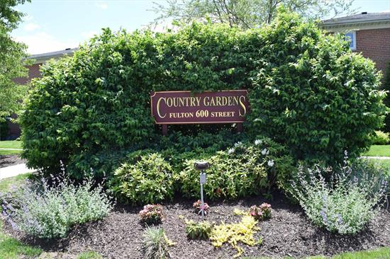 LARGE TWO BEDROOM, NEW BATHROOM, LAUNDRY IN UNIT, NEW FLOORS, GRANITE COUNTER TOP, MOVE-IN CONDITION, CUSTOM MASTER WALK IN CLOSET, BALCONY, WALK TO MAIN STREET