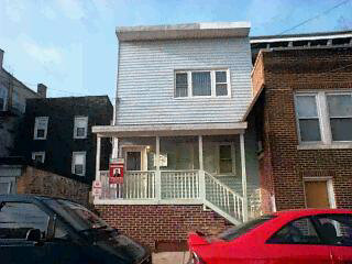LOCATION LOCATION THIS 2 FAM WELL MAINTAIN WITH FINISHED BSMT TOTAL 6 BDRMS OWNER OCCUPIED AND COLLECT 1700 RENT, SEP UTITLTIES VERY CLOSE TO LINCOLN TUNNEL IF THE SELLER AGENT SELLS THE COMM 4 PERCENT THE SELLER HAS CONTENGE TO FIND THE HOUSE