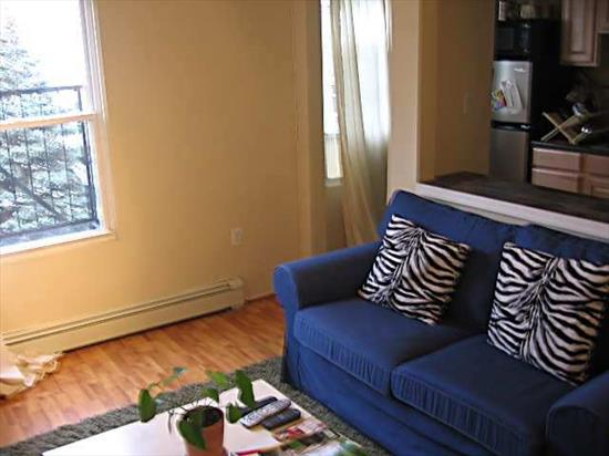 GREAT RENOVATED UNIT IN PRIME DOWNTOWN JERSEY CITY, NJ LOCATION! ONLY (5) BLOCKS TO GROVE STREET PATH STATION. SHOPPING, RESTAURANTS AND LAUNDRY JUST STEPS AWAY. RENOVATED KITCHEN AND BATHROOM. PET FRIENDLY & EXTREMELY CONVENIENT IN FANTASTIC LOCATION!