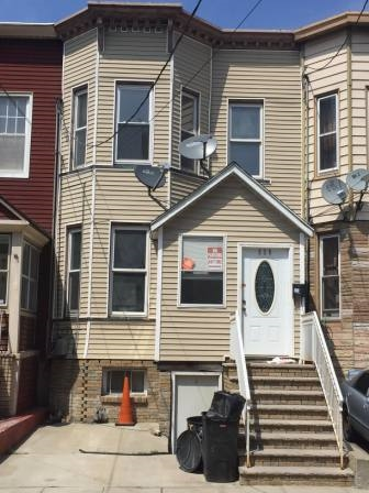 Beautiful Charming one-family house in a sought-after Union City Location. Open floor lay out on this spacious home offers large rooms with plenty of natural light and hardwood floors. Has three bedrooms, backyard and finished basement apartment adds extra living space. Close to transportation, light rail, shopping and school. Hurry won't last, Sold as is!