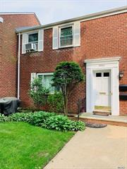 Mint first floor cozy 1 bedroom apt in Glen Oaks Village. Updated kitchen, full bath, hardwood floors and washer in unit. Close to buses and shopping.