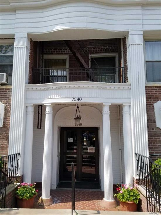 Charming Pre-War Michelle Tower Top Floor Studio In The Heart Of Forest Hills Located On A Quiet Tree-Lined Street. Entry Foyer, Spacious & Sunny LR, New Kitchen W/SS Appliances (Including Dishwasher), Granite Countertops, Separate Large Alcove, Updated Bath, Large Closets, Hardwood Floors, Open & Airy 6 Windowed Unit, Laundry & Bike Rm, Pet Friendly Bldg, Outdoor Garden, 1 Block To Express Train