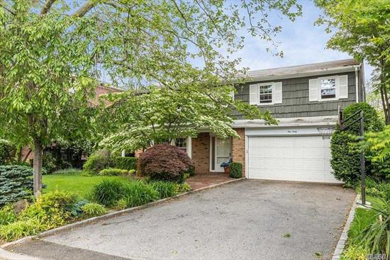 Beautiful split in excellent condition .4br upstairs plus office off master. 3 full baths, beautiful large yard. Won't last!