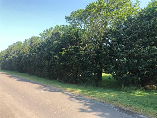 Wonderful 1 acre building lot with outstanding sunset views. Cleared, level, specimen plantings on property Close to Oregon Road Farm corridor, bring your plans and build your dream home