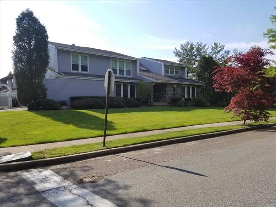This Contemporary Home Features 5 Bedrooms, 3 Full Baths, Formal Dining Room, Eat In Kitchen & 2 Car Garage. Property information is based off home size. This information can't be confirmed or verified!