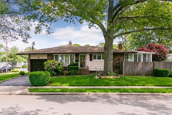 Don't Miss This Opportunity To Own One Of The Best Values In S. Farmingdale. Located In The Woodward Pkwy School District, Close To Highways, Bike Trail, Shopping, Train Station And The Beautiful Village Of Farmingdale. Move Right In And Make This Charming Ranch Your Own.