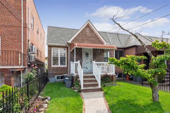1 family 2 bedroom ranch located in Maspeth