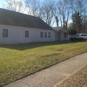 HANDYMAN SPECIAL!!!  Home is cash only, will not qualify for a mortgage, home sold as is. Roof needs replacing Super Spacious home. great Investor deal.