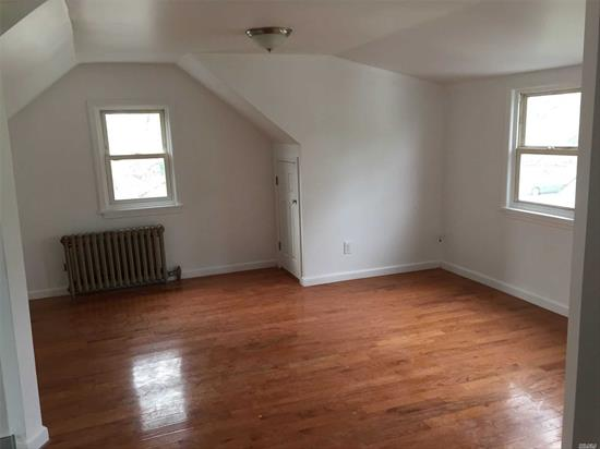 close to shopping area public transportation just finish renovated 1 BR full bath LR kitchen ready to be rented