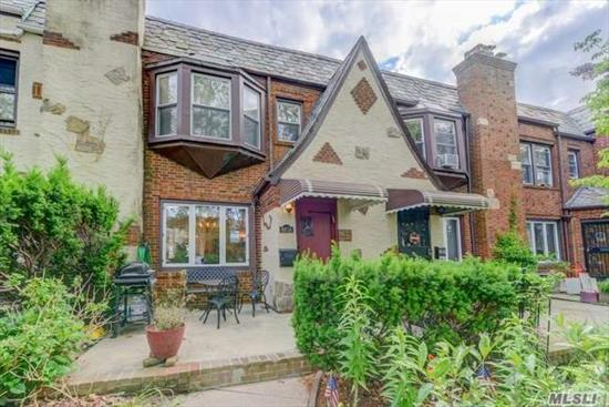 Exquisite & fully renov 1 Fam att brick townhse.Entry foyer w/closet, LR w/fireplace opens to gorgeous FDR.Custom kitch w/quartz counters, stone backsplash & ceramic flrs.Beautifully appointed powder rm.2nd fl:MBR suite w/WIC & Mbath inc mosaic glass tiles.Plus 2 more BRs & hall bath.Full fin basemt w/elegant guest suite/bath, laundry rm, new boiler & hw heater.Hardwd flrs thru-out, new windws w/granite ledges, new elec & new radiators.Frnt stone patio & landscaped frnt/backyds.
