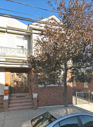 Sunny One Bedroom Apartment for Rent in Upper Glendale. Features Living Room, Dinette area, New Kitchen with Granite Counters, and New Full Bathroom. Carpeting and Tile Flooring. Heat and Water Included. Close To Transportation and Shops!