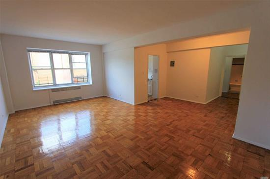 Extra large one bedroom 987 sqft, separate kitchen with a dishwasher, large white tile bathroom, lots of closet space including a walk-in closet, extra large bedroom.