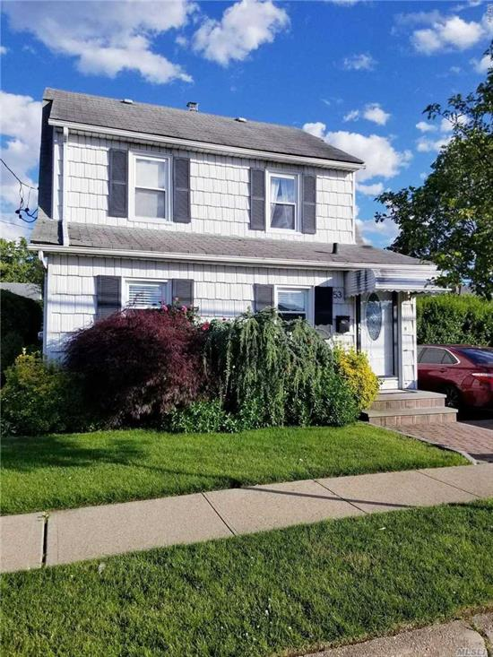 Well maintained 2 Bedroom apartment with a large Living/Family Room, Eat-In-Kitchen, Full Bath. It can be rented fully furnished or without furnishings. Near to LIRR, transportation, shopping & Houses of Worship.