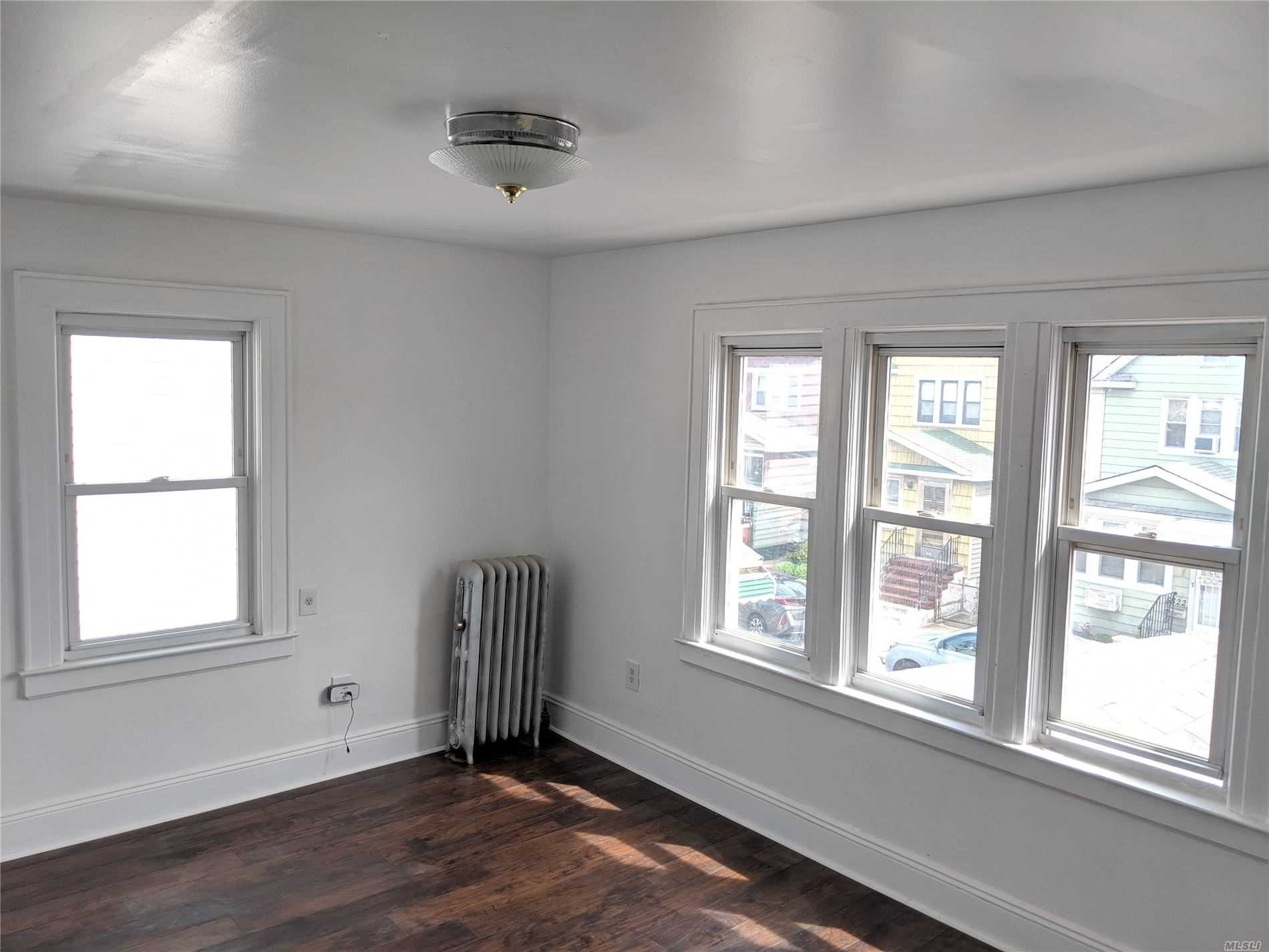 Excellent opportunity in this Woodside section, newly renovated kitchen and bathroom. Ample & bright. Close to 61st Street train station, great neighborhood with access to many & diverse establishments. Close to Queens Blvd as well.