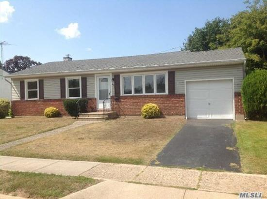 Nice House W 3 Bedrooms 1.5 Bath, Great Neighborhood. Close To All!!