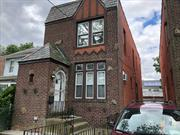 Spacious Detached Colonial w/Sunny Rooms & High Ceilings Throughout! Clean Condition & Hardwood Floors Throughout! Renovated Kitchen. Finished Bsmt w/Family Room, Large Windows, Full Bath. Utilities to Be Paid by Tenant. Available NOW. Very Convenient Location to Transportation and Shopping!