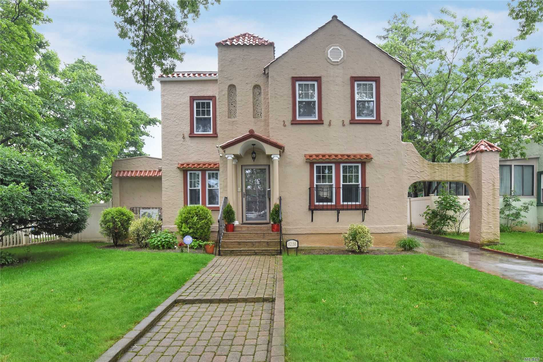 BEAUTIFUL HOME LOCATED IN BELLEROSE MANOR FEATURES CENTRAL VACUUM, SECURITY CAMERAS, IN GROUND SPRINKLERS, FORMAL DINING ROOM, LIVING ROOM WITH FIRE PLACE, 5 SPACIOUS BEDROOMS, EAT-IN-KITCHEN WITH STAINLESS STEEL APPLIANCES..PERFECT HOME TO ENTERTAIN YOUR FAMILY AND FRIENDS!! ... A MUST SEE!!!