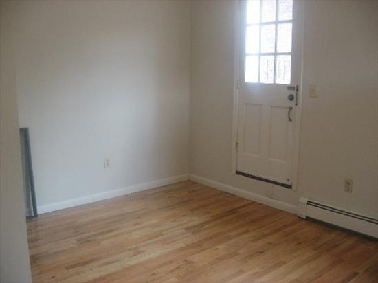 Nice 1Br On Beautiful Tree-Lined Garden St., Huge Recently Refinished Deck Off Lr, Gorgeous Brick Bldg., Bldg Recently Repointed, Top Floor Unit & Close To Everything.