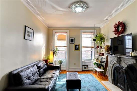 Located in the best neighborhood in Downtown Jersey City, this south facing unit is flooded with all day natural light and situated between the Grove St & Newport Path stations. The neighborhood offers great restaurants, cafes, shopping and steps from Hamilton Park complete with two dog runs, basketball courts, children's playground, weekly farmers markets and year round festivals and fairs. This condo is perfect for the working professional that needs quick access to Manhattan, both downtown and midtown, but wants the feel of the brownstone neighborhood with all the conveniences at your front door. Call to schedule an appointment today! ***Photos are from older tenants****