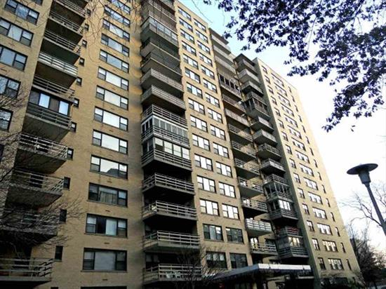 Largest One Bedroom with Terrace in St Johns Condominium, Easy Access to PATH and Shopping, Elevator Building with Doorman, High Floor, Tenant Occupy ( Can be delivered Vacant or Buy As An Investment) Tenant Lease expire Dec 2013.