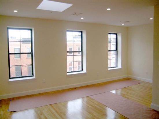 Classic Restoration With A Trendy Flare. Prestigious Tree Lined Street. Unit Features Gourmet Kitchen With Ss Appliances, Maple Cabinets, Granite Counter And Under Mount Sink. Bathroom Have Tumble Marble And Kohler Fixtures. Exceptional Living For The Hoboken Elite. Parking Possibilities Available 220 Sq Ft Terrace.