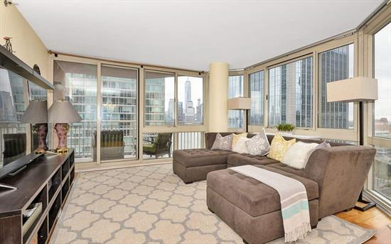 Gorgeous 3Br 2Ba With Nyc & River Views At Mandalay On The Hudson. Spacious Living Space, Floor To Ceiling Windows And Beautiful Hardwood Floors. Stainless Steel Appliances, Laundry In Unit And Deeded Parking. The Mandalay Is A Full Service Building And Pet-Friendly With 24 Hr Concierge, Gym, Pool, Tot-Lot, Community Room And Bbq Area. Easy Access To Newport Pavonia & Exchange Place Path Trains, Light Rail & Ferry.... Commuters Dream!