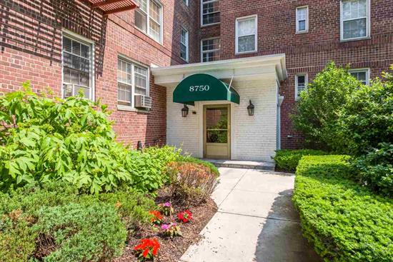 Largest One Bedroom at Pet Friendly Woodcliff Gardens on Blvd East! Bright and Spacious unit with views NYC, Hudson River & James J. Braddock County Park. Amentities are Outdoor Pool, Jacuzzi, Gym, Bike Room & Laundry in Basement! On Site Dry Cleaner, Wash n Fold, and More! NYC Transportation & County Park at Your Doorstep!  Must See!
