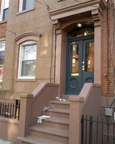 Fantastic 2BR/2BTH plus study (could be used as a 3rd BR) duplex with a private yard and deck 4x6. Unit features modern kitchen with SS appliances, granite counter tops, recessed lighting and hardwood floors. Walking distance from Van Vorst Park, schools and transportation to NYC.