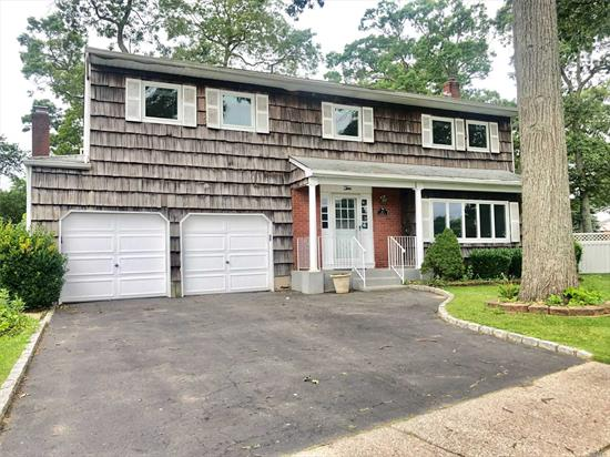 Charming Brookfield Colonial Offers Spacious Rooms, EIK, W/ Granite Counters . Maple Cab, & Tile BkSplash, Fdr, Flr. Fam Rm W/ FirePlace W/ Entrance to Sunroom, Mbr w/ MasterBath, 3 Add'l Brs, Toayl of 3.5 Baths, Crown Moldings, H/W Flrs, Cac, 200 Amp Service , Ring Alarm System is Transferable , 2 Car Garage, Fenced Yard, SD#7, Must See!