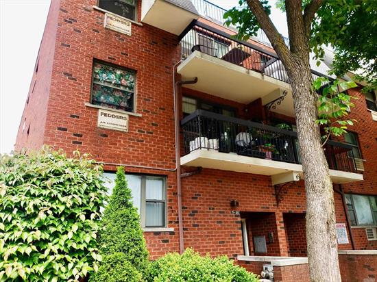 Rare Opportunity To Own A 3 Bedroom 2 Full Bath Condo For This Price. Lowest Priced (Priced For a Quick Sale) 3 Bedroom In This Community!! This Unit Has Comfortable Size Bedrooms. The Master Bedroom Has His And Her Closets And It's Very Own Private Full Bathroom. Garage Comes With The Unit At No Additional Cost!! In Addition, It's In A Great Location. It's Located on a Quiet, Tree-Lined Street, Near Main Roads And Expressways. Pet Friendly!! Don't Let This Deal Pass You By!!