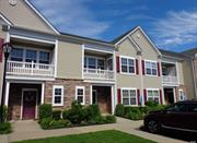 Mint 2 Bedroom Condo, duplex on 2nd Floor . Open Layout, Large Kitchen W/ Stainless Steel Appliance, Master Suite With Walk In Closet, CAC, Washer/Dryer, Parking & Additional Guest Parking. Close Shops, Restaurants.